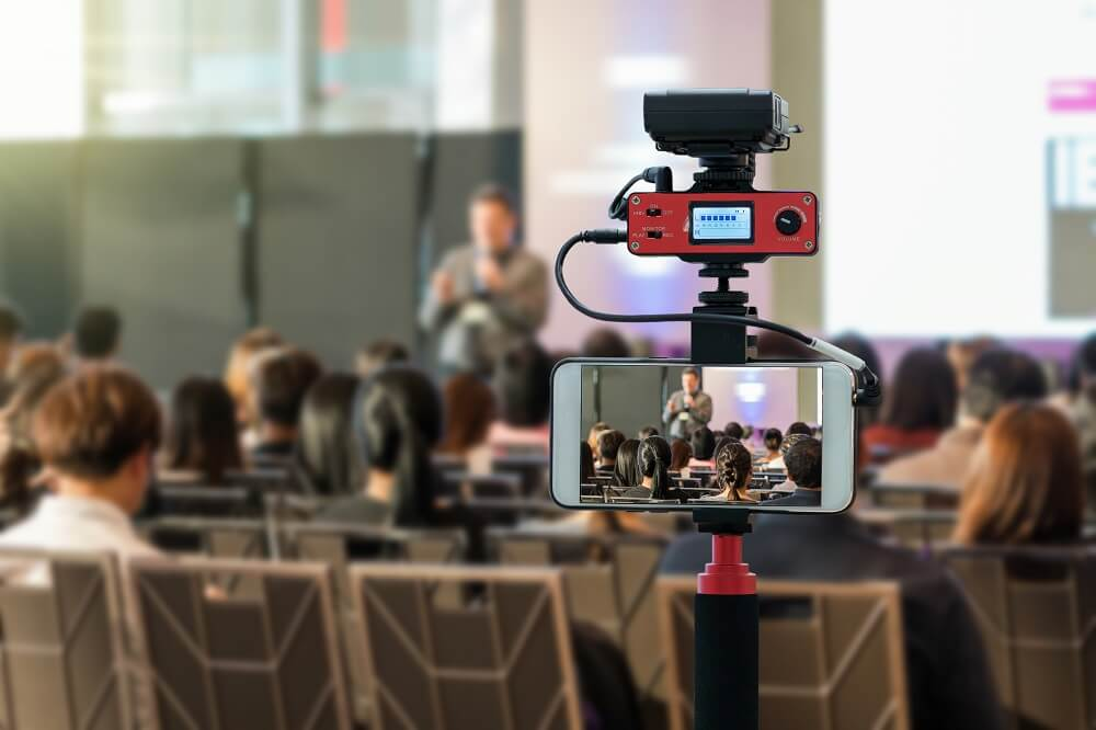 multi camera live stream on phone